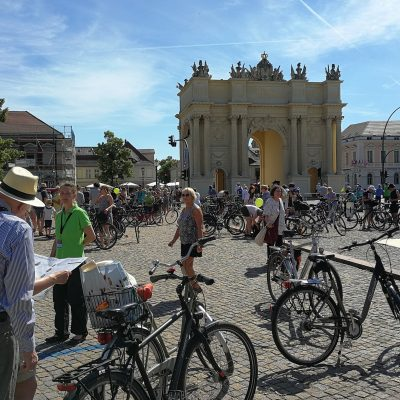 Start des Fahrradkonzert am Brandenburger Tor Potsdam