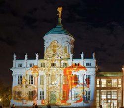 Das Potsdam Museuem am Alten Markt wird zur Leinwand
