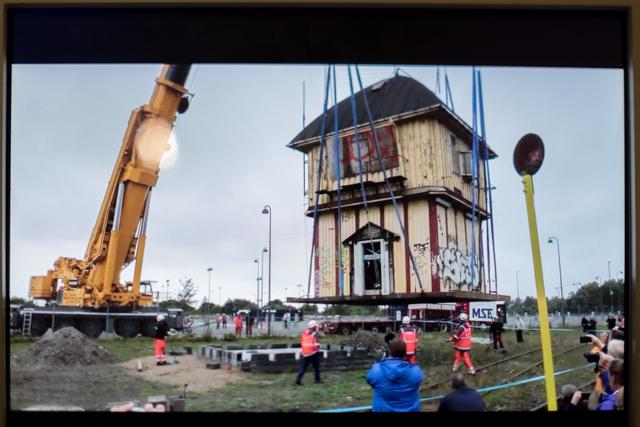 Rettungsaktion Bahnstellwerk des Olsenbandenfansclubss