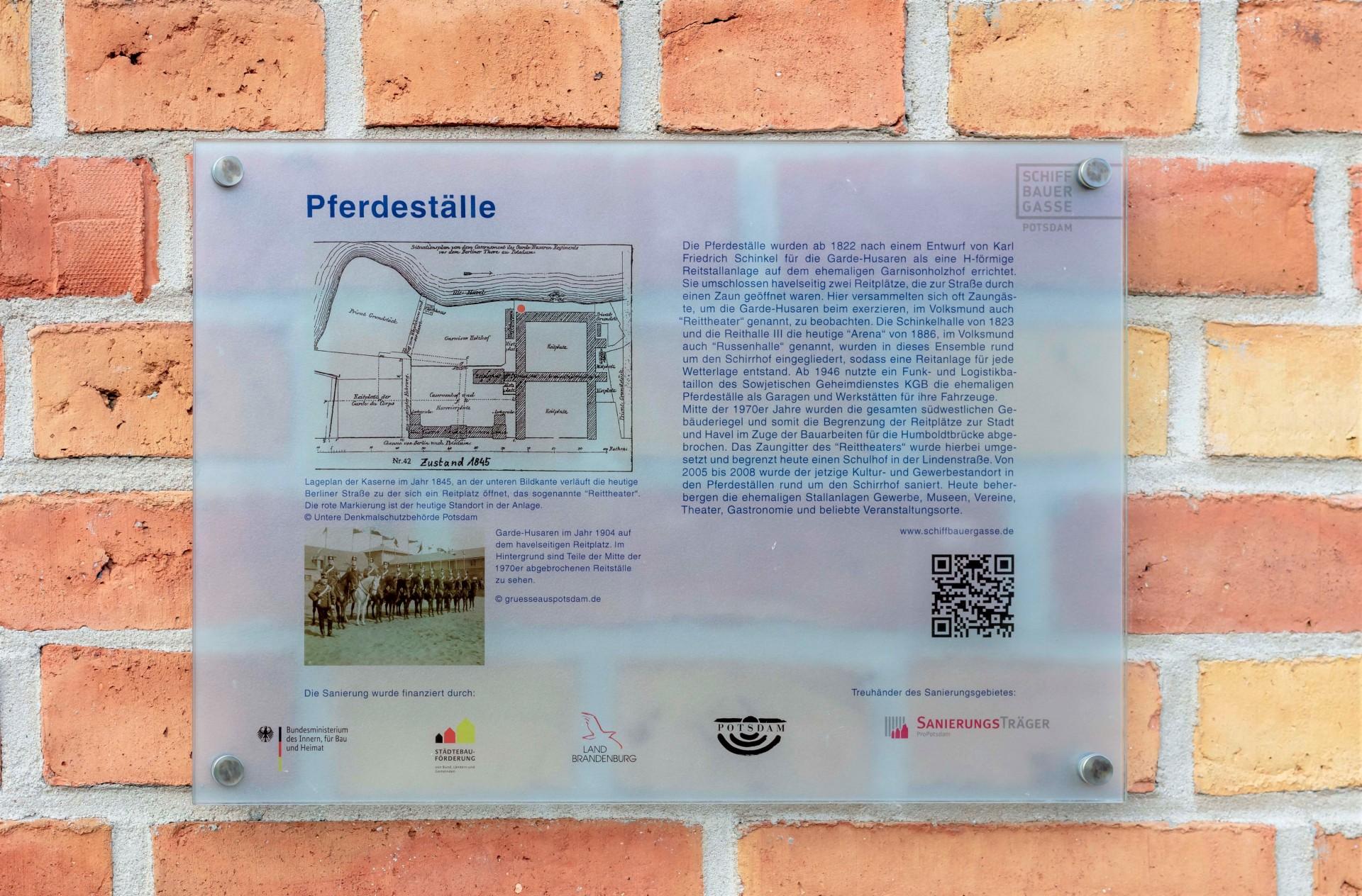 Hinweistafel des Historischen Parcours, Foto: PMSG
