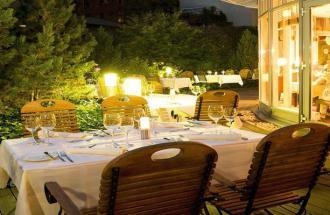 Auf der Terrasse des Restaurant Hofgarten im NH Potsdam, Foto: NH Hoteles Deutschland GmbH
